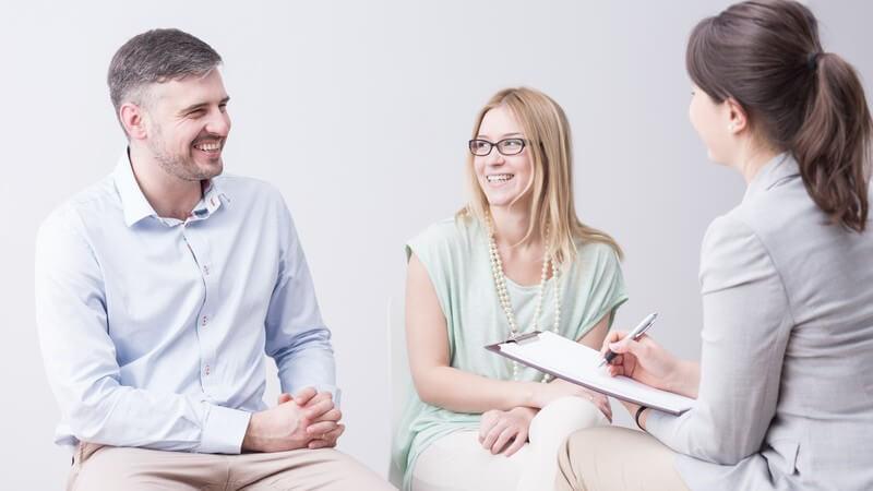Die Eheberatung als professionelle Hilfe bei Eheproblemen - Ziel und Zweck sowie mögliche Anlaufstellen