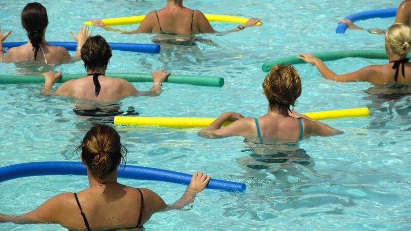 Die Aqua-Fitness wie z.B. Aquaerobic und Aqua-Step zur Steigerung der Ausdauer
