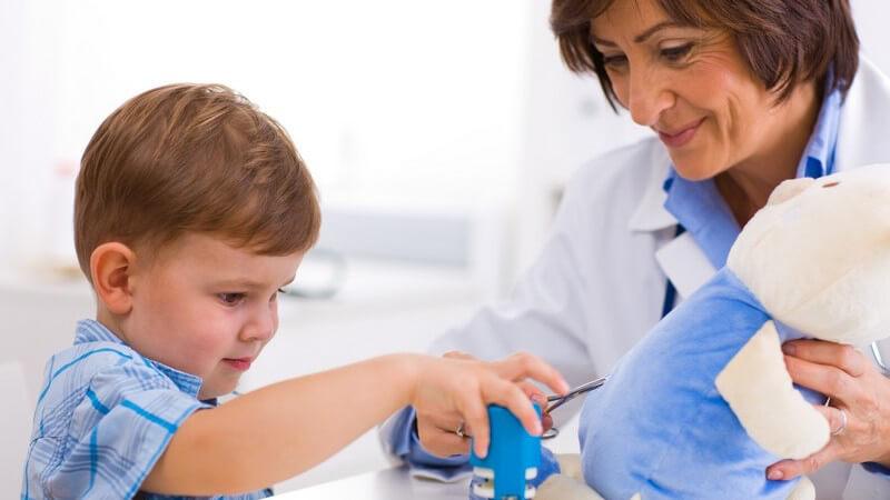 Anzeichen für mögliche Entwicklungsstörungen im Baby-, Kleinkind- und Jugendalter