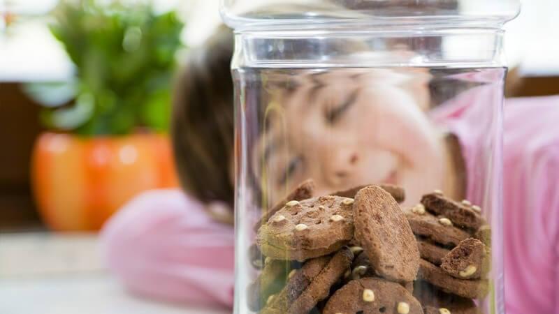 Ursachen und Auswirkungen eines ungesunden Essverhaltens - wir geben Tipps, wie man auch als Erwachsener gegen ungesundes Essverhalten angehen kann