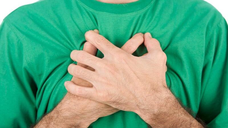Die Entstehung von Brustschmerzen und wie man sie behandeln und lindern kann