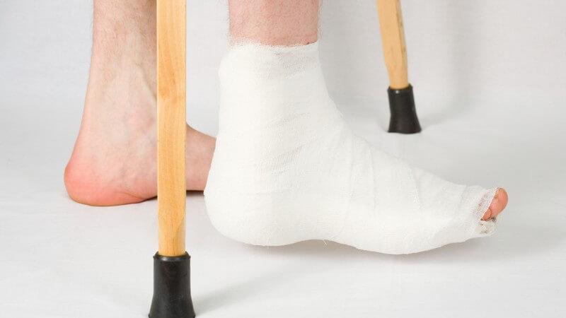 Wie man einen Achillessehnenriss erkennen kann und welche Untersuchungen durchgeführt werden