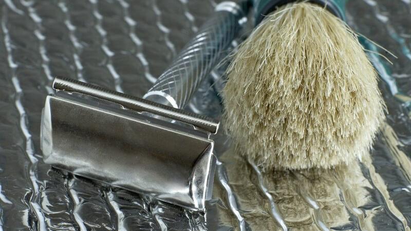 Was zur Rasur mit dem Rasierpinsel gebraucht wird und worauf Sie beim Kauf und der Anwendung achten sollten