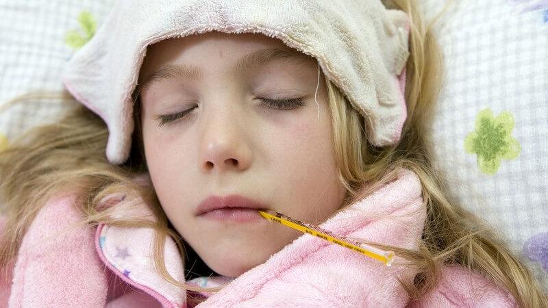 Die Entstehung von Fieberkrämpfen und wie man sie behandeln und lindern kann