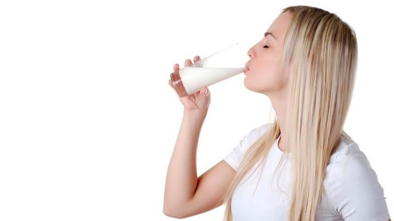Milch sollte in jedem Kühlschrank stehen, denn sie ist ein effektives Mittel gegen Karies