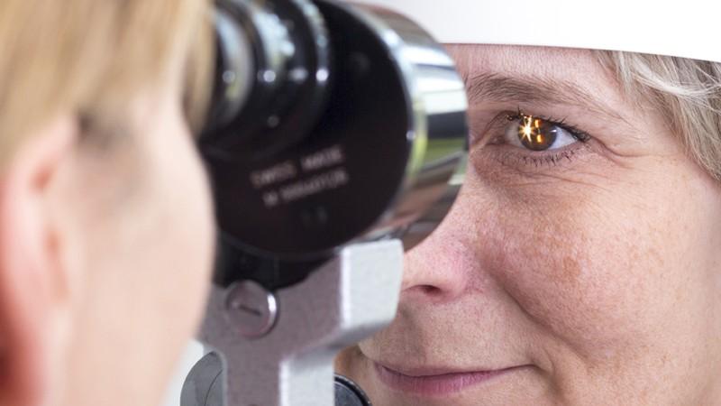 Funktion und Durchführung der Spaltlampen-Untersuchung zur Behandlung bestimmter Augenabschnitte