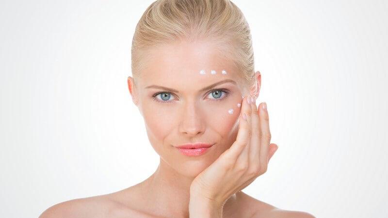 Die Basics der Augenpflege für Frauen und Männer