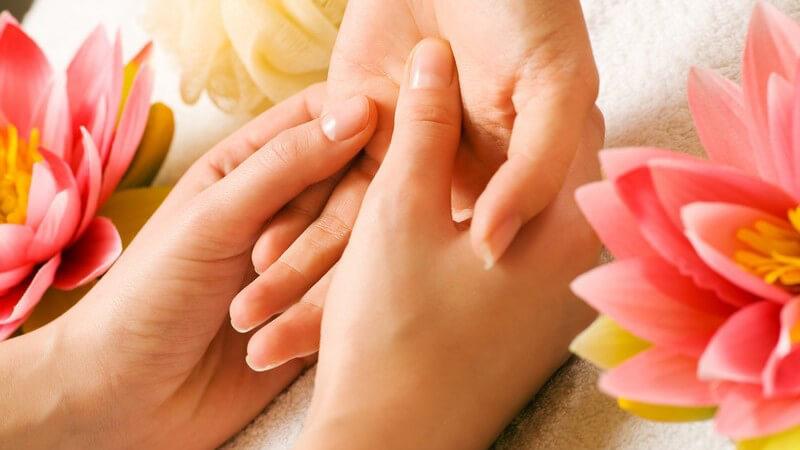 Die Handmassage zur Steigerung des Wohlbefindens
