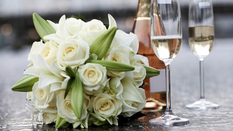 Ansprechende Optik und wesentliche Inhalte einer Hochzeitseinladung sowie Tipps zur individuellen Gestaltung der Hochzeitseinladungen