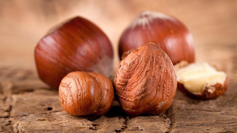 Die enthaltenen ungesättigten Fettsäuren in Nüssen verringern Diabetes-Symptome und verbessern Cholesterin-Werte