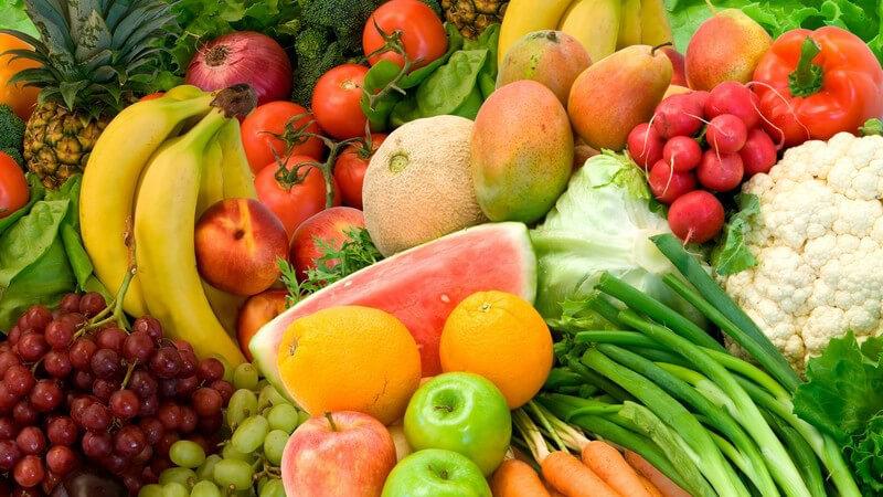 Übersicht der enthaltenen Kohlenhydrate und Ballaststoffe verschiedener Obst- und Frucht- sowie Gemüsesorten