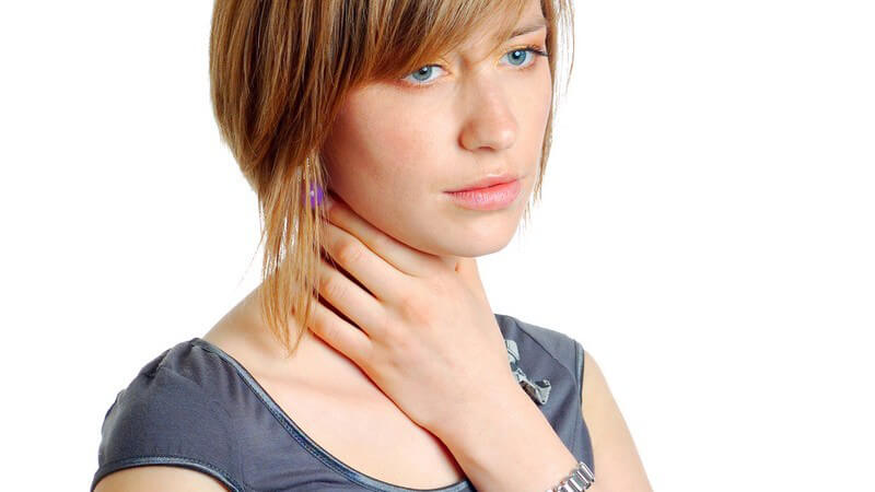 Die Entstehung von Halsschmerzen und wie man sie behandeln und lindern kann
