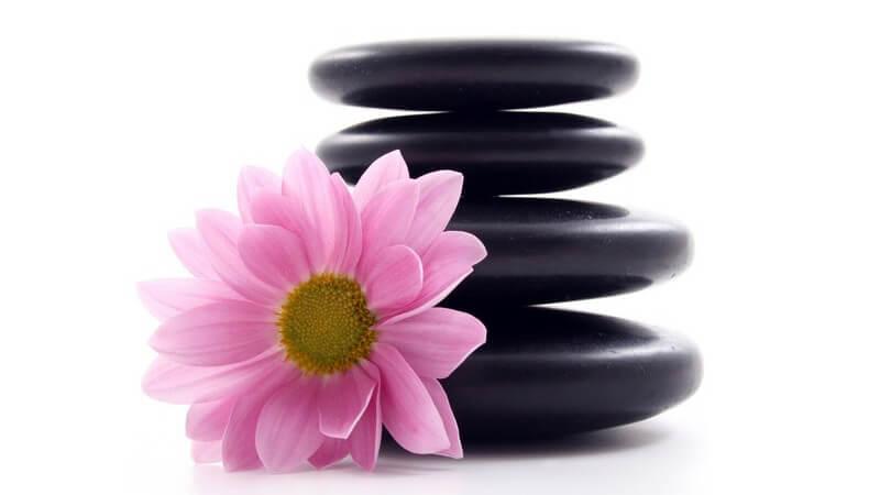 Die Prana-Stone Massage zur entspannenden Behandlung von Körper und Geist