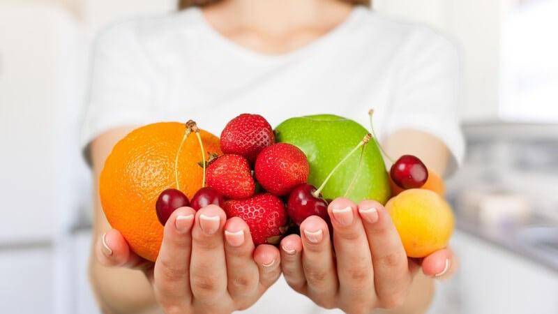 Wenn es wärmer wird, starten Fruchtfliegen ihren Angriff auf Obst und andere Nahrungsmittel