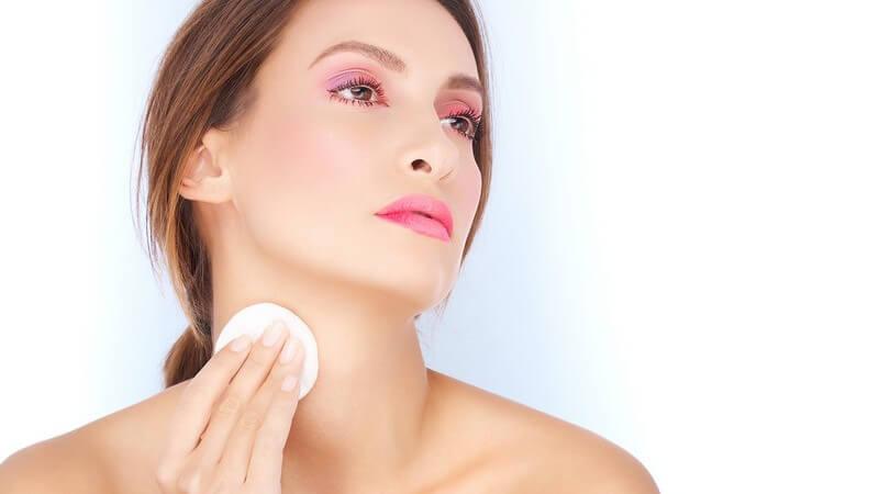 Warum Abschminken so wichtig ist und wie Sie sich richtig abschminken