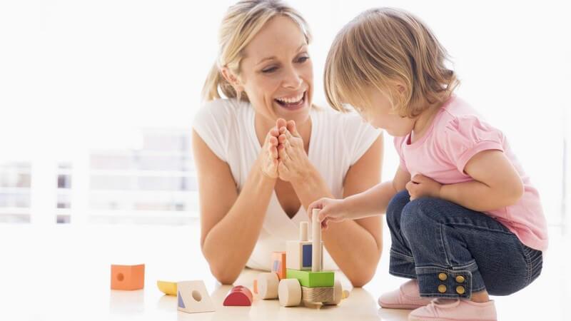 Die Bedeutung von Kinderspielzeug für die kindliche Entwicklung - es gibt einige Klassiker, die in jedes Kinderzimmer gehören