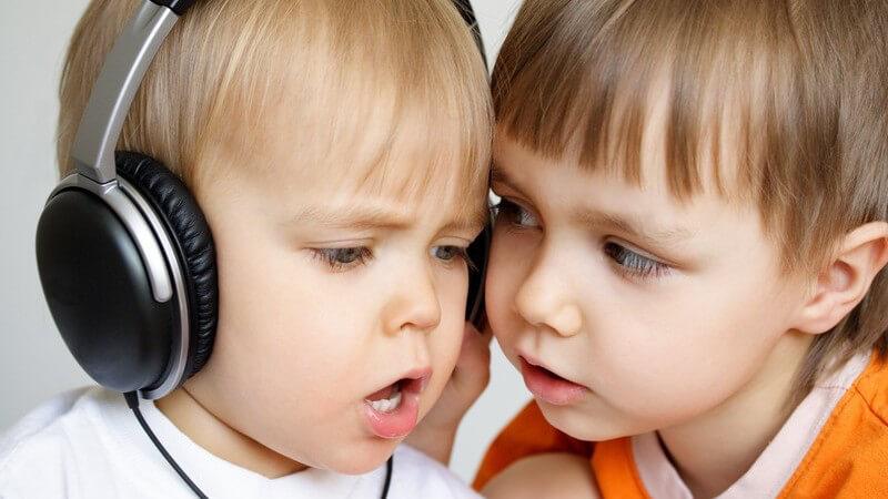 Wir geben einen Überblick über die Vielfalt der Kindermusik und ihren Einfluss auf die kindliche Entwicklung - sollte man sie schon in der Schwangerschaft hören?