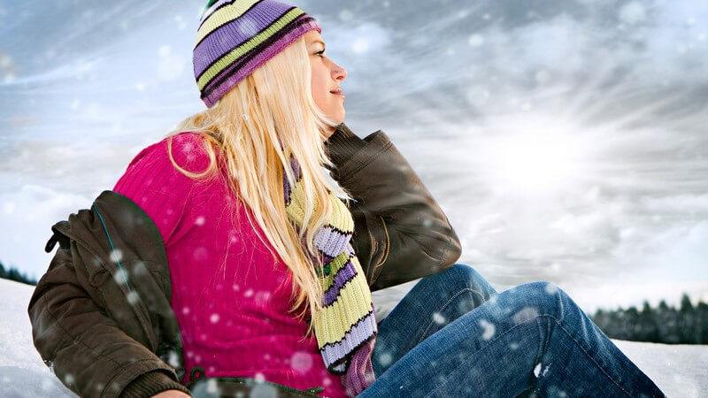 Wer den unschönen Schneerändern den Kampf ansagen möchte, kann auf altbewährte Hausmittel zurückgreifen