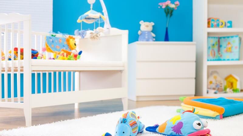Tipps für eine altersgerechte Raumgestaltung im Baby- und Kinderzimmer und wie man seinem Nachwuchs beibringt, Ordnung zu halten