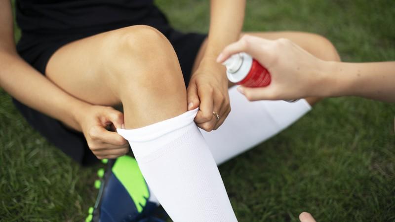 Einsatz, Dosierung und Risiken von Mitteln zur Kühlung von Verletzungen