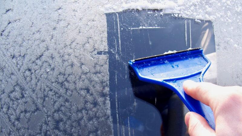Frostschutzmittel sorgen für eisfreie Scheiben, können aber auch zu ernsthaften Vergiftungen führen