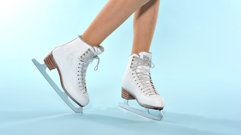 Zukünftige Eiskunstläufer trainieren schon von Kindheit an - besonders wichtig sind Gesundheit, Fitness und Gelenkigkeit