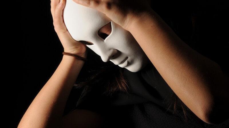 Eine gute Beobachtungsgabe sowie Improvisationstalent sind wichtige Anforderungen, die an einen Pantomime-Künstler gestellt werden - worauf kommt es sonst noch an?