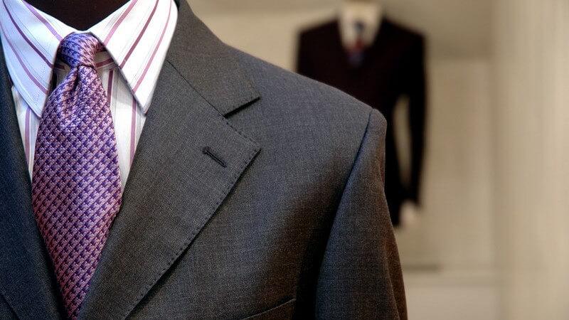 Welche Kriterien ein perfekter Anzug in Bezug auf Schnitt, Material und Farbe erfüllen muss