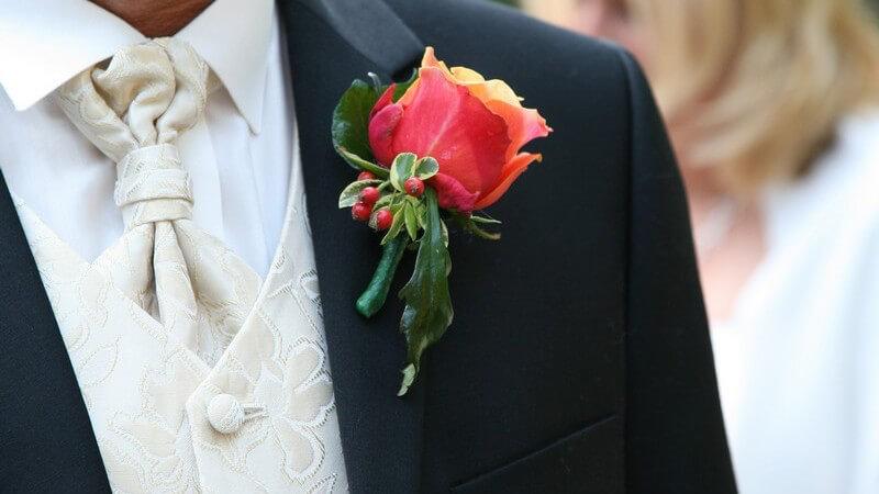 Auch der Bräutigam möchte und sollte sich zum schönsten Tag des Lebens so richtig in Schale werfen