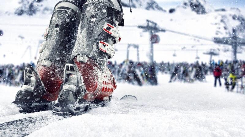Es gibt einige Technikfehler, die es zu vermeiden gilt - des Weiteren ist das richtige Verhalten auf der Piste äußerst wichtig, um sich und andere Skifahrer nicht zu gefährden