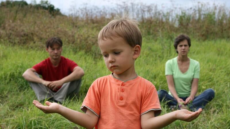 Bei möglichen Problemen der Kinder und Jugendlichen als auch der Eltern können Erziehungsberatungsstellen eine gute Hilfe bieten