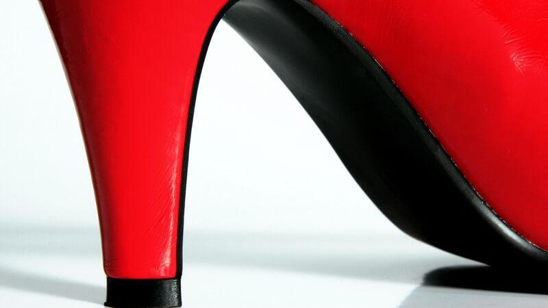 Kombinationsmöglichkeiten von Hot Pants verschiedener Materialien für einen sexy oder lässigen Look