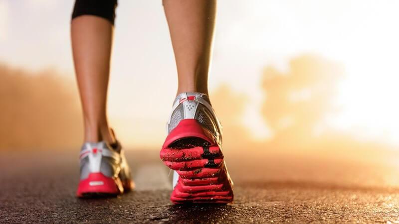 Die gesundheitlichen Vorzüge des Laufens - gut für das Herz-Kreislauf-System, die Ausdauer, die Wirbelsäule, die Stimmung und die Gewichtskontrolle