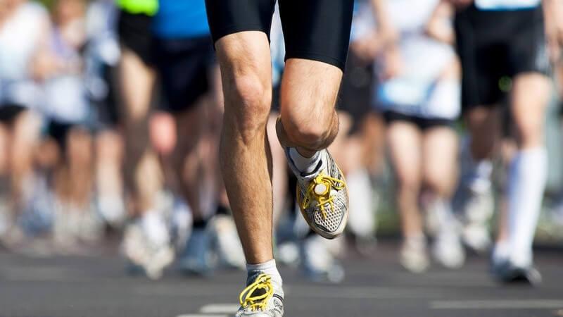 Ein regelmäßiges Training innerhalb eines bestimmten Zeitplans schafft die Basis einer guten Vorbereitung für einen Halbmarathon