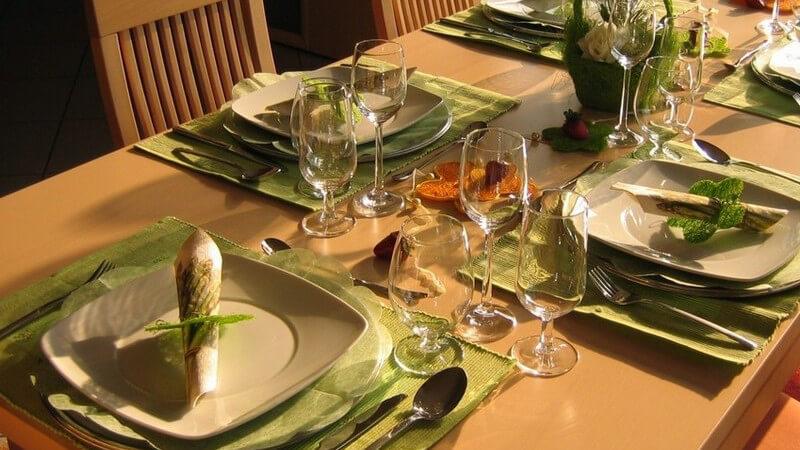 In den Bereich der Esskultur fallen u.a. regionale Spezialitäten, Tischsitten oder auch Tischdeko - wir geben einen Überblick und informieren über die typisch deutsche Esskultur