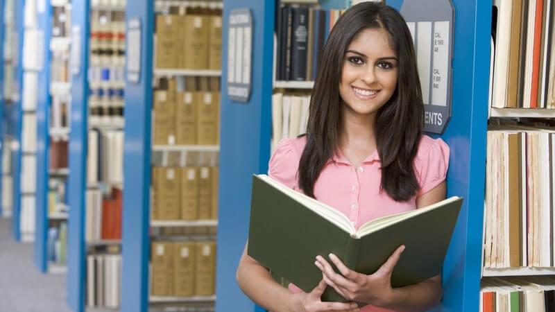 Was Büchereien heutzutage leisten, welche Arten von Bibliotheken es gibt und wie eine solche Bücherei aufgebaut ist