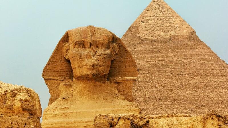 Zum Kulturerbe der Menschheit gehören sehr viele historische Gebäude - Kirchen, Paläste und Tempel faszinieren die nachfolgenden Generationen bis zum heutigen Tag