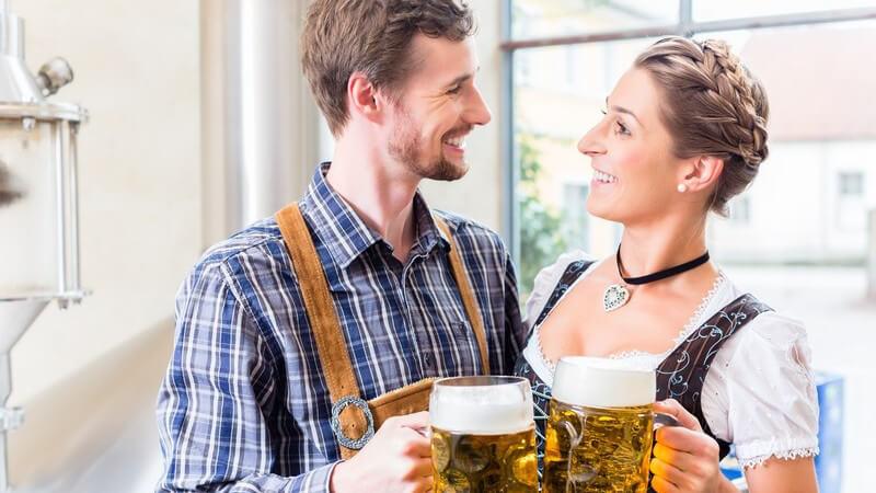 Was trinken die Deutschen? Wir geben einen Überblick über typisch deutsche Getränke und zu welchen Anlässen man diese am besten trinken kann