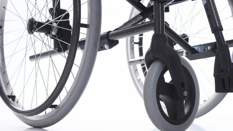 Auch die Miete verschiedener Hilfsmittel wie z.B. Rollstühle wird in einem Sanitätshaus angeboten