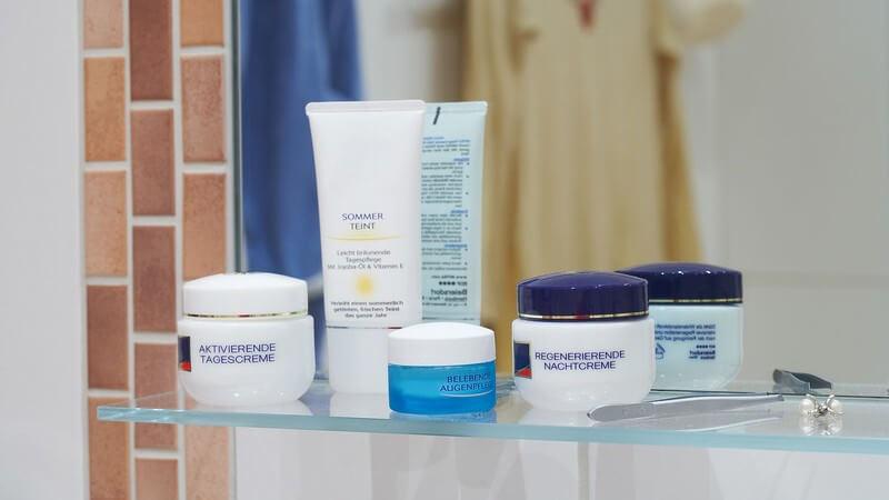 Wie sich eine Überpflege der Haut auswirkt und welches Pflegeprogramm tatsächlich täglich, wöchentlich oder gelegentlich nötig ist