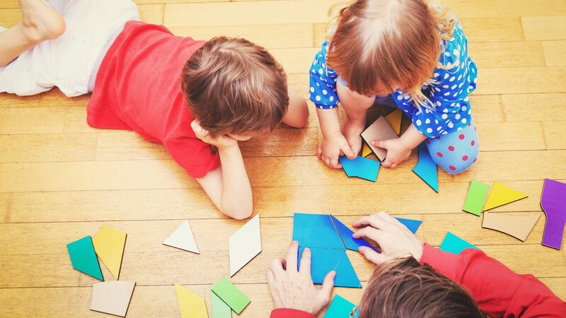 Tipps zur Eingewöhnungsphase in der Tagespflege sowie im Kindergarten und wie man Kinder durch die