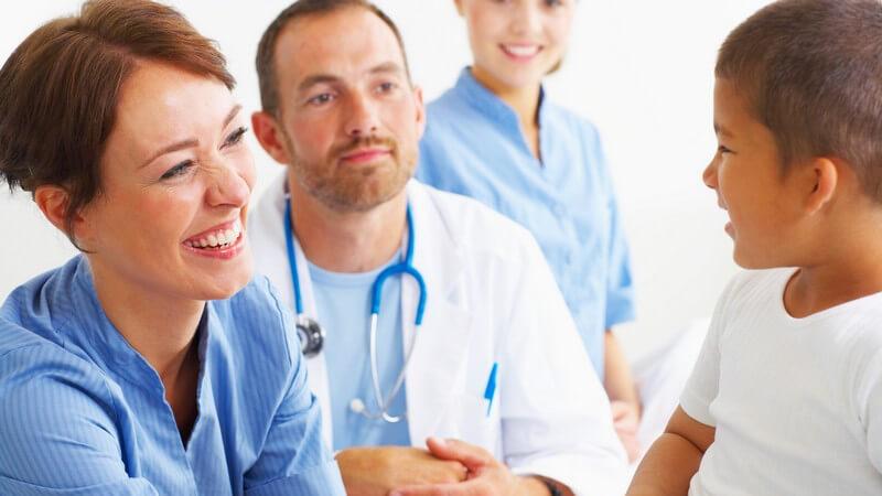 In welchen Bereichen Arzthelfer/Arzthelferinnen arbeiten und was sie machen