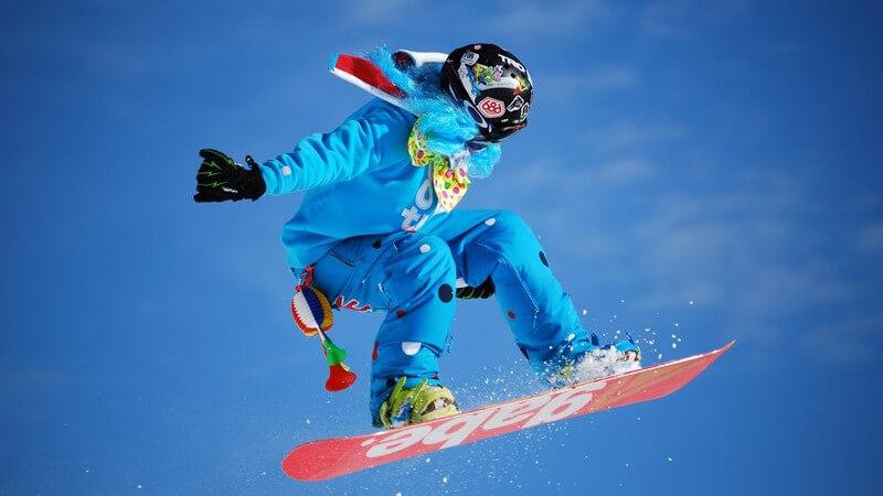 Unterschiede zum Skifahren und die verschiedenen Snowboarding-Techniken im Überblick