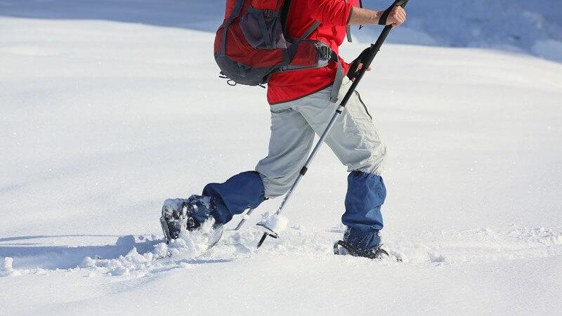 Körperliche Voraussetzungen und benötigte Ausrüstung für das Wandern im Schnee