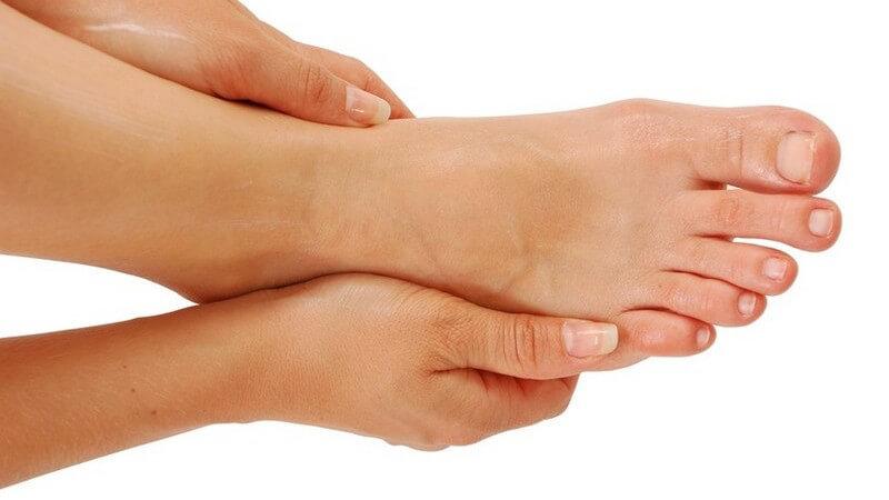 Wir erörtern die verschiedenen Situationen, in denen Fußgels für die Fußpflege hilfreich sein können