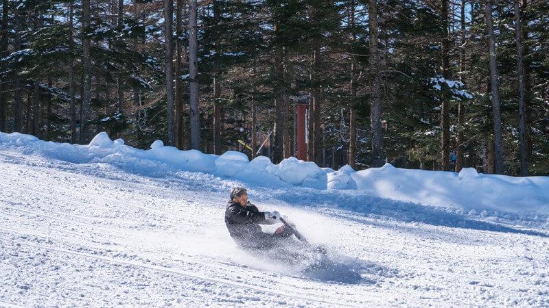 Die richtige Fahrtechnik und wo man Snowscooting lernen kann