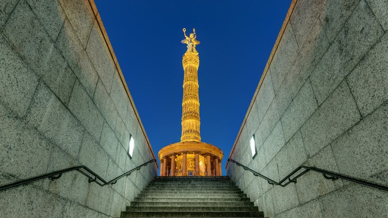 Ein Überblick der bekanntesten Denkmäler weltweit - Stehen Denkmäler als Erinnerungen für die Idee des Nationalkults, spricht man von Nationaldenkmälern