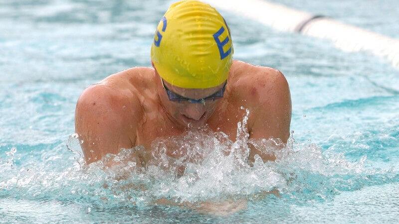 Wir informieren über die verschiedenen Arten von Schwimmwettkämpfen und deren Teilnahmebedingungen