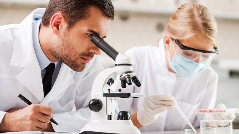 In welchen Bereichen Pathologen/Pathologinnen arbeiten und was sie machen