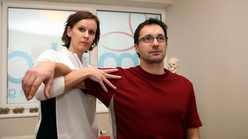 In welchen Bereichen Physiotherapeuten/Physiotherapeutinnen arbeiten und was sie machen